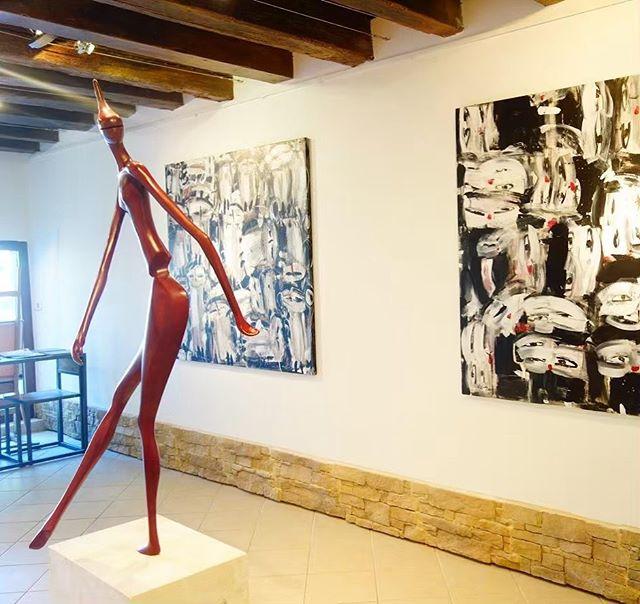 A Warrior in Venice #venice #venicebiennale #art #sculptor @madein.artgallery @e.elkorashy