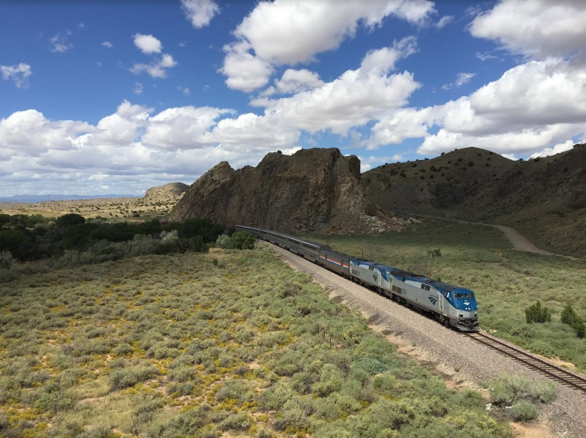 Southwest_Chief_at_Devil's_Throne,_New_Mexico.jpg