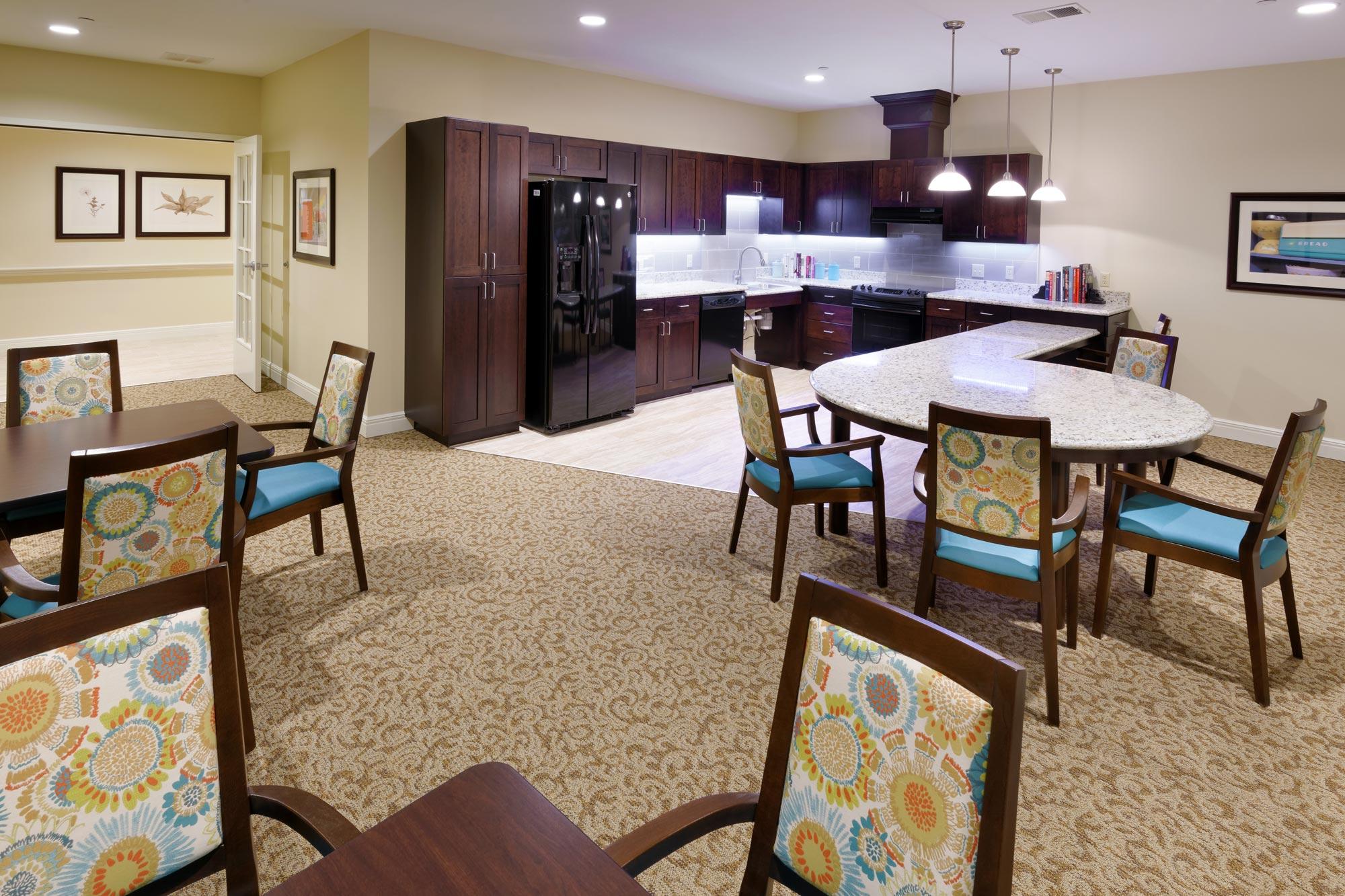Castlewood-Senior-Living-H-Design-Interior-04.jpg