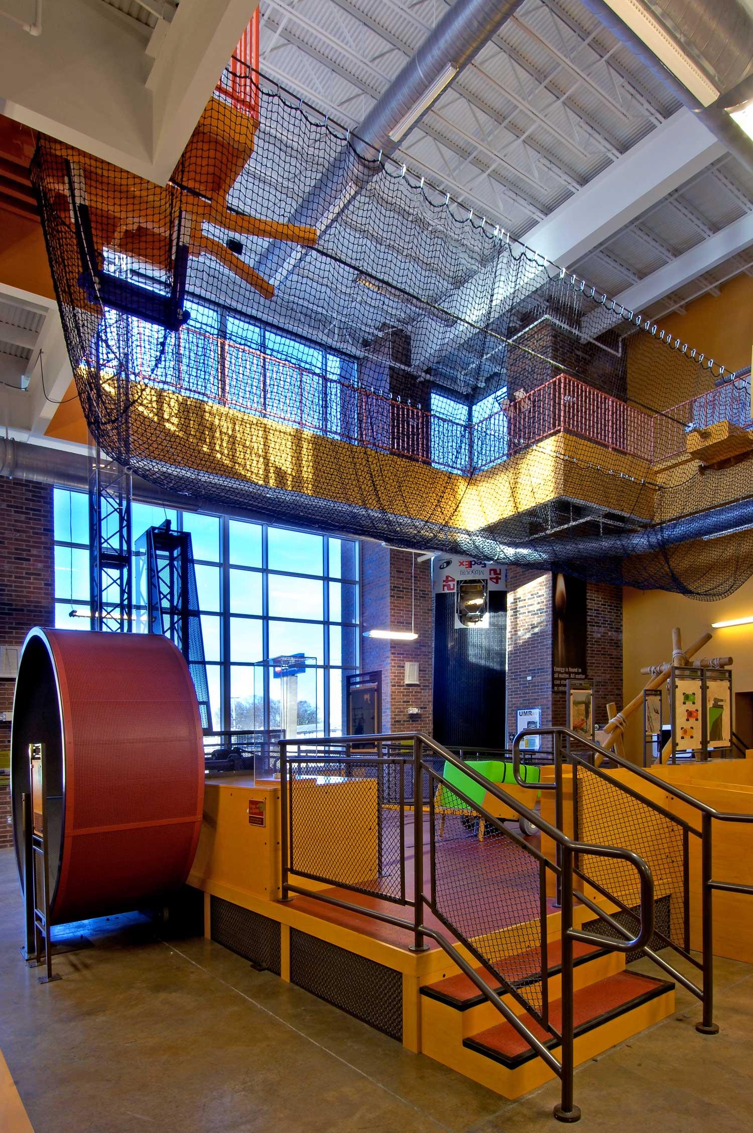 Discovery-Center-H-Design-Interior-03.jpg