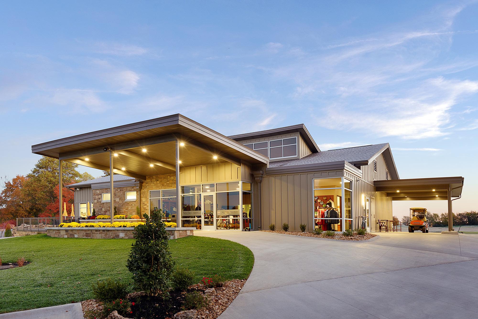 Twin-Oaks-Golf-Pro-Shop-H-Design-Exterior-01.jpg