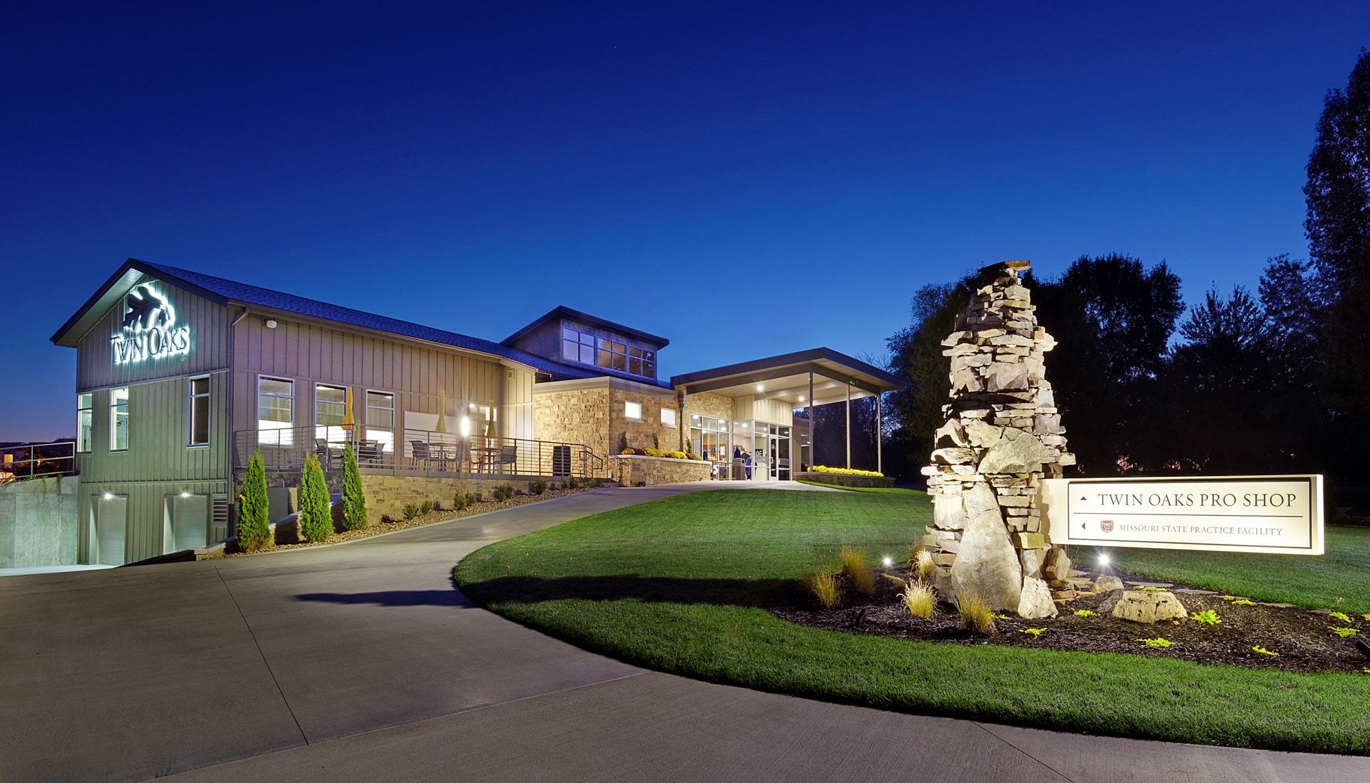 Twin-Oaks-Golf-Pro-Shop-H-Design-Exterior-03.jpg