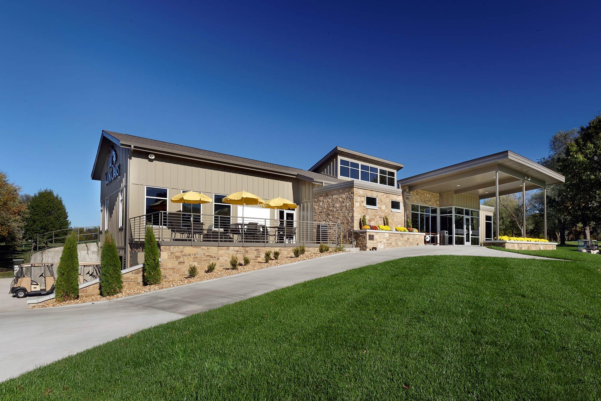 Twin-Oaks-Golf-Pro-Shop-H-Design-Exterior-05.jpg