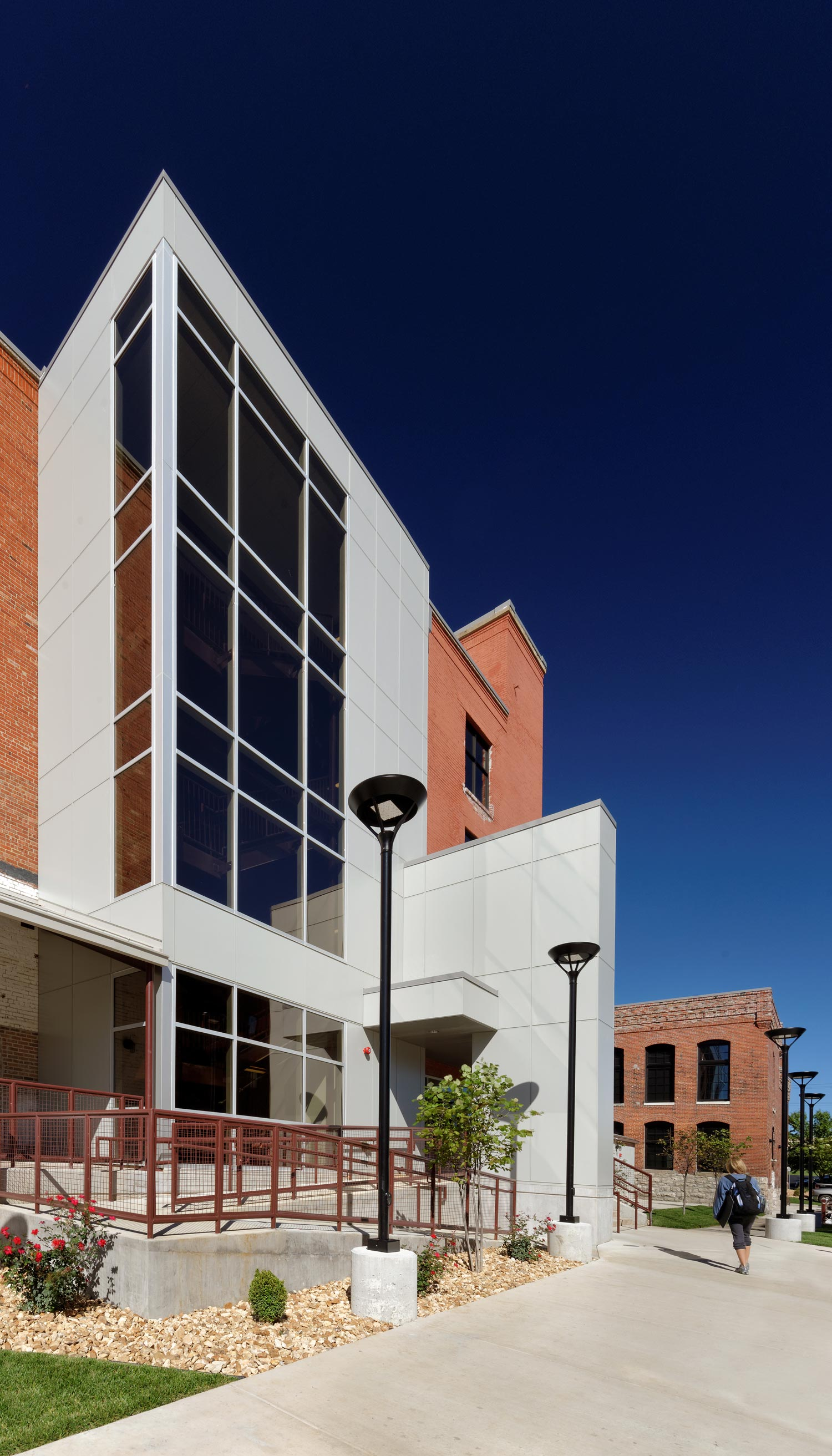 Missouri-State-University-Brick-City-H-Design-Exterior-03.jpg