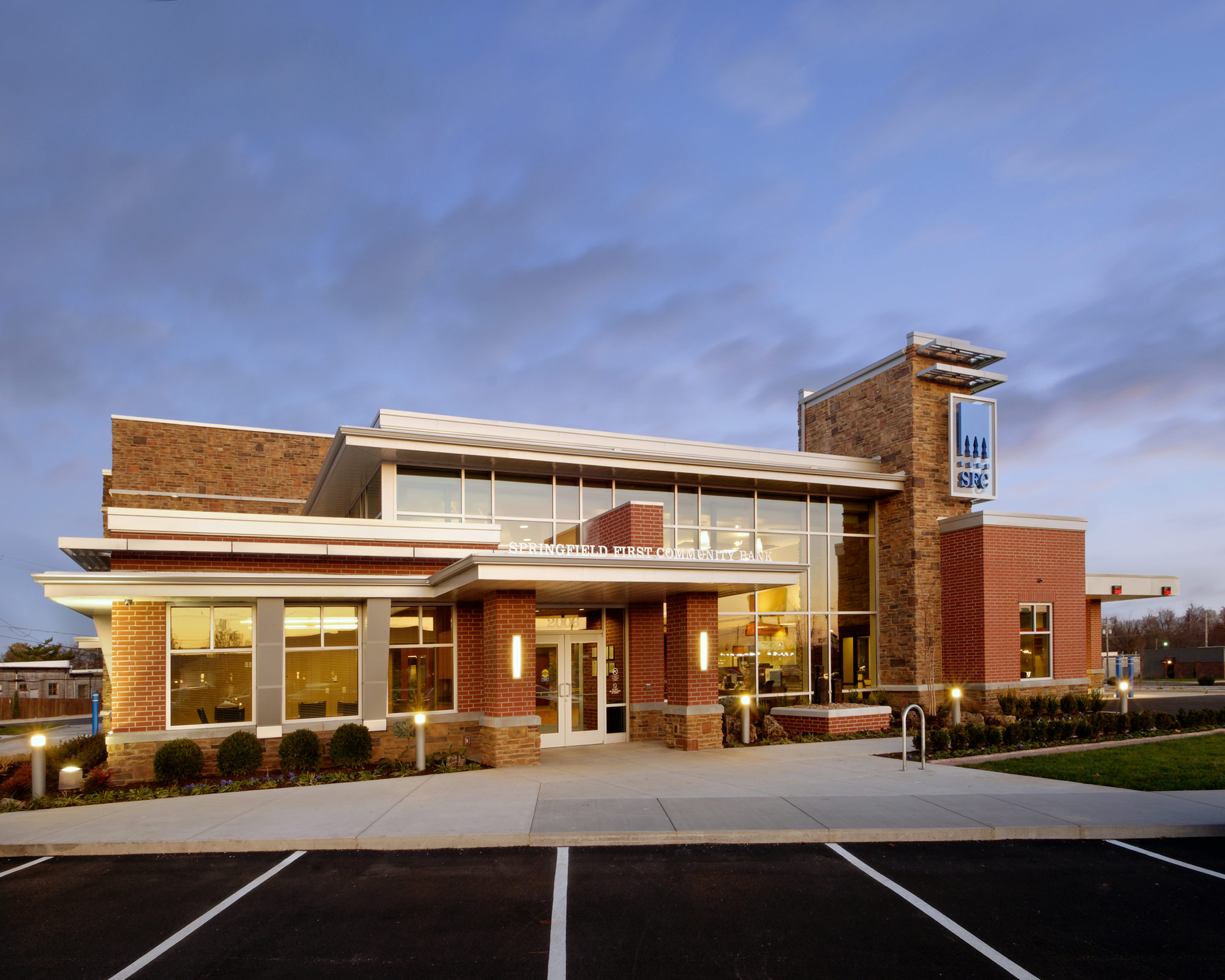 Springfield-First-Community-Bank-H-Design-Exterior-01.jpg