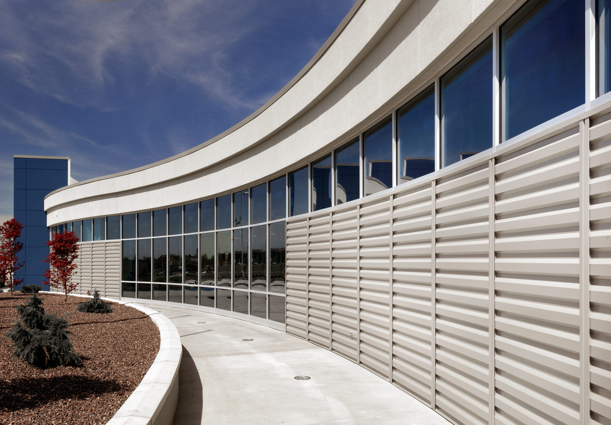 Fieldhouse-Sportscenter-H-Design-Exterior-02.jpg