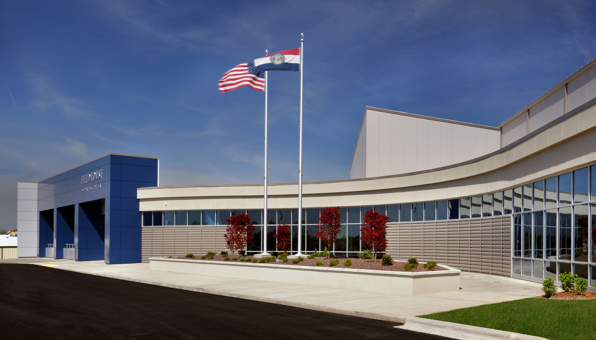 Fieldhouse-Sportscenter-H-Design-Exterior-03.jpg