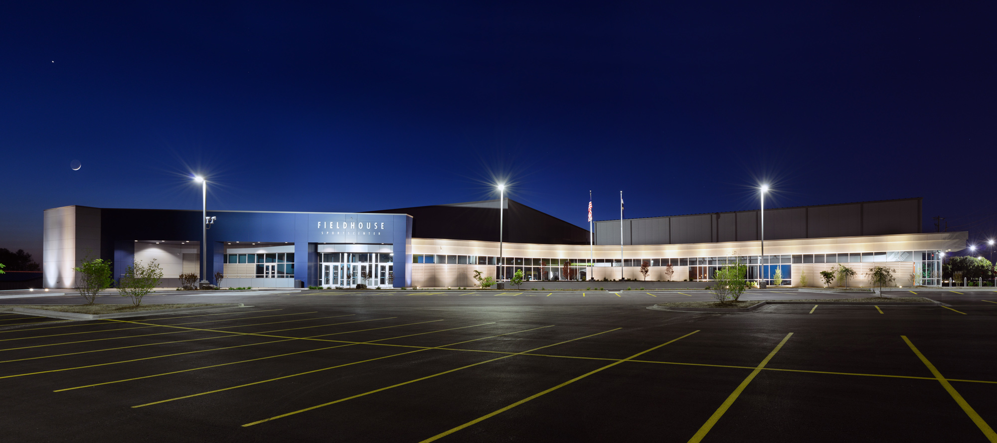 Fieldhouse-Sportscenter-H-Design-Exterior-04.jpg