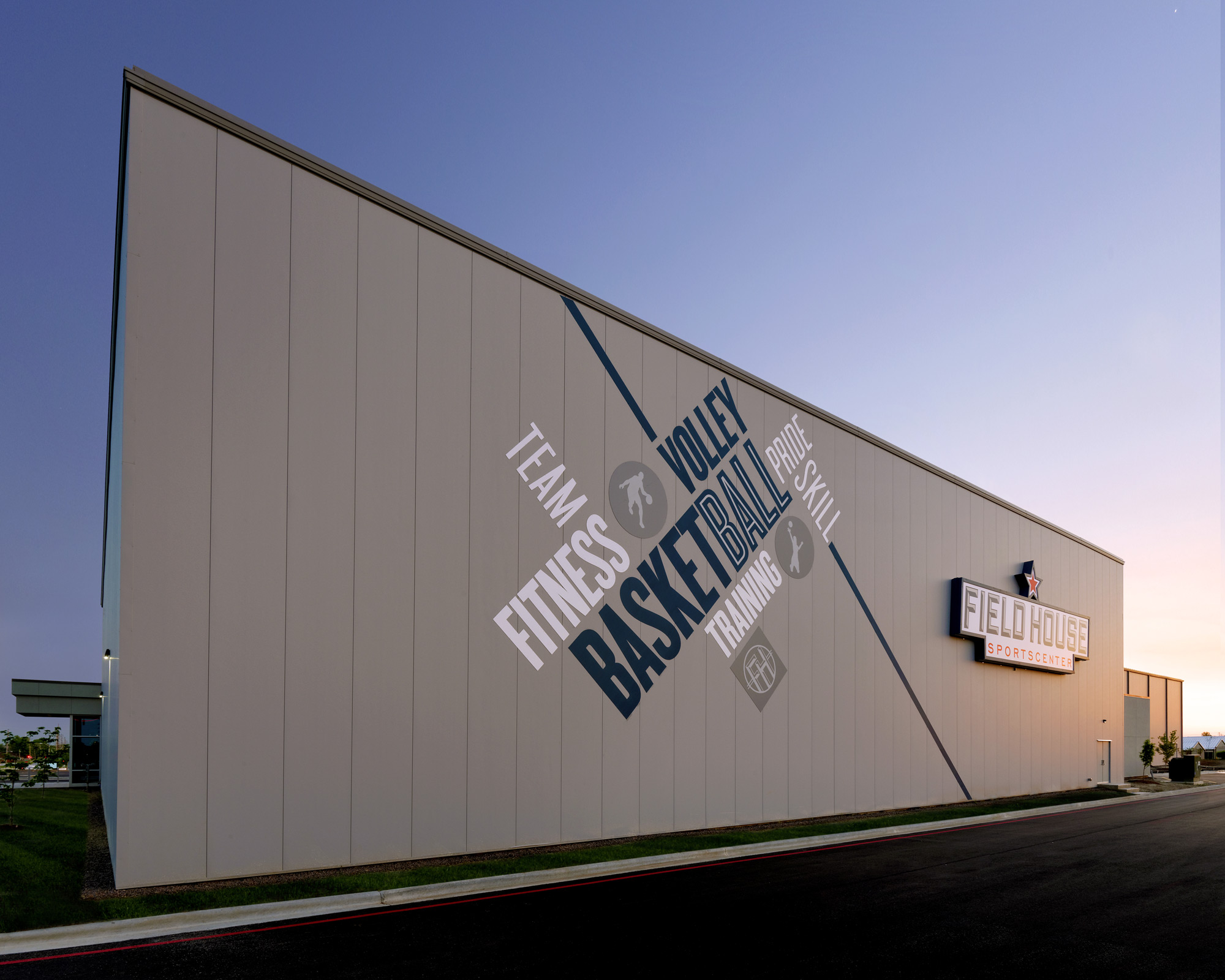 Fieldhouse-Sportscenter-H-Design-Exterior-05.jpg