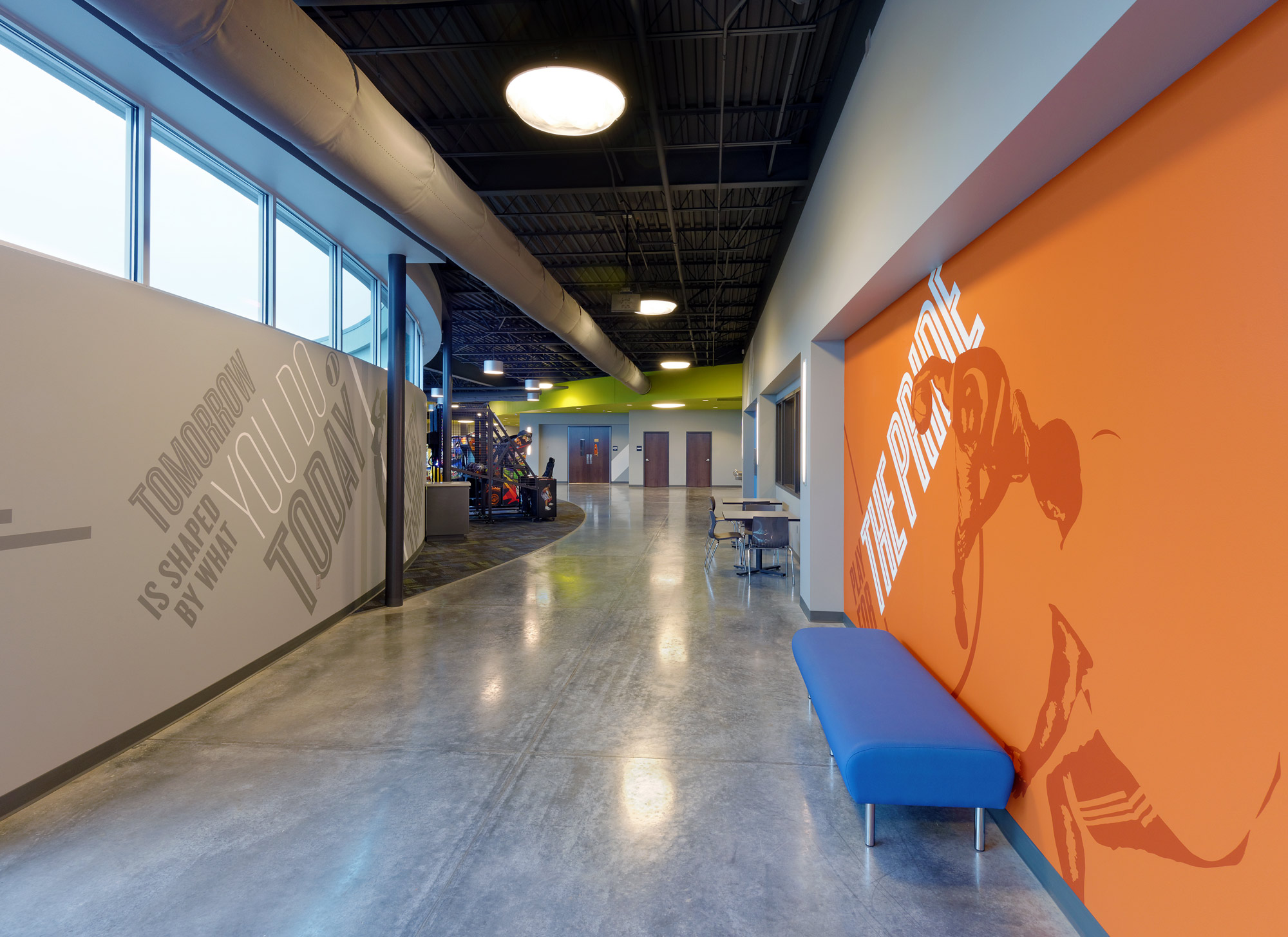 Fieldhouse-Sportscenter-H-Design-Interior-05.jpg
