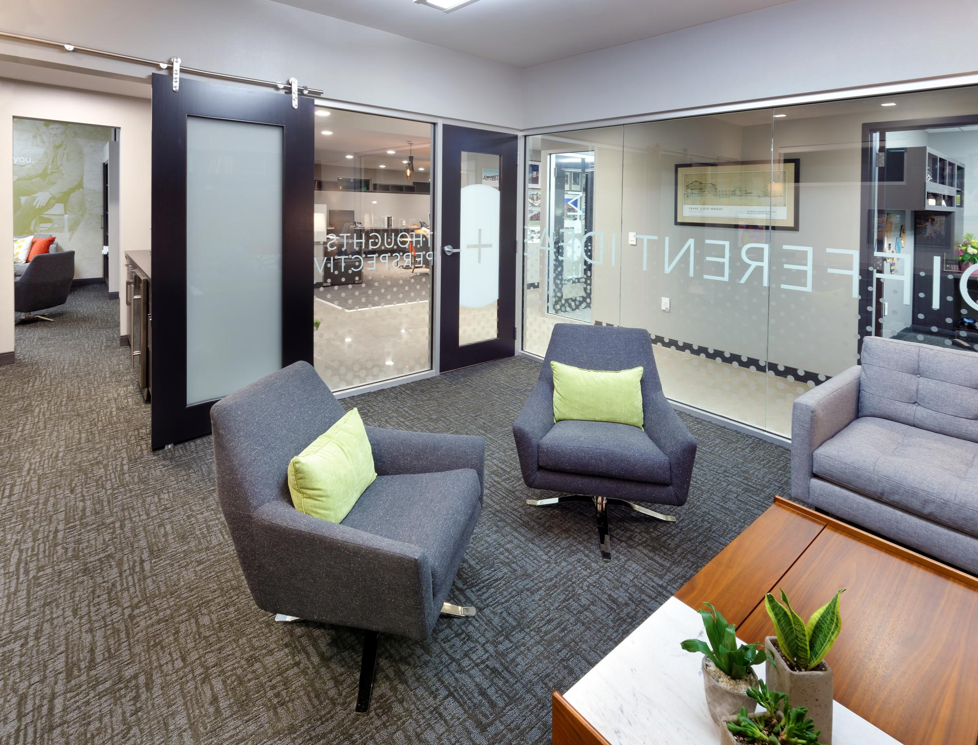 H-Design-Office-Interior-05.jpg