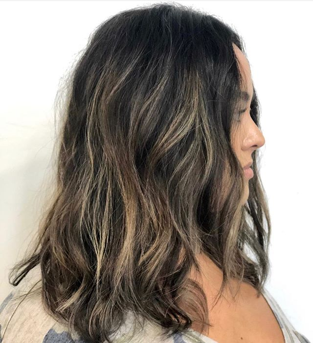 Soft Ruch tones ...... by the talented @hairbyaprilshannon #carmelhighlights #foilage #balayage #behindthechair #redken #sexyhair #sunkissedhair #beachwaves #localhoneypetaluma ##petalumasalon #sonomacountysalon #downtownpetaluma #sonomacountysalon #winecountrysalon