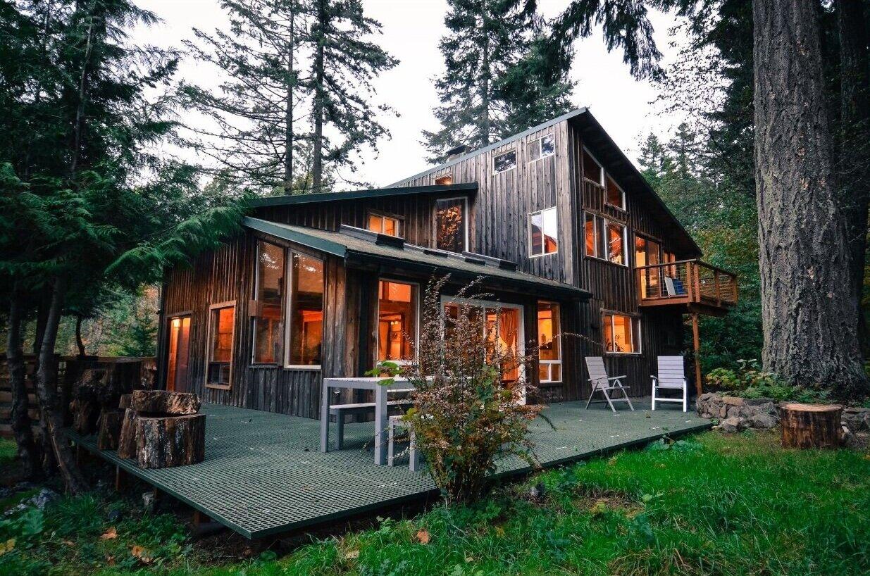 Wind River Cabin - nearest city: Portland, Oregonnearest town: Carson, WashingtonWinter 2020More details coming soon…