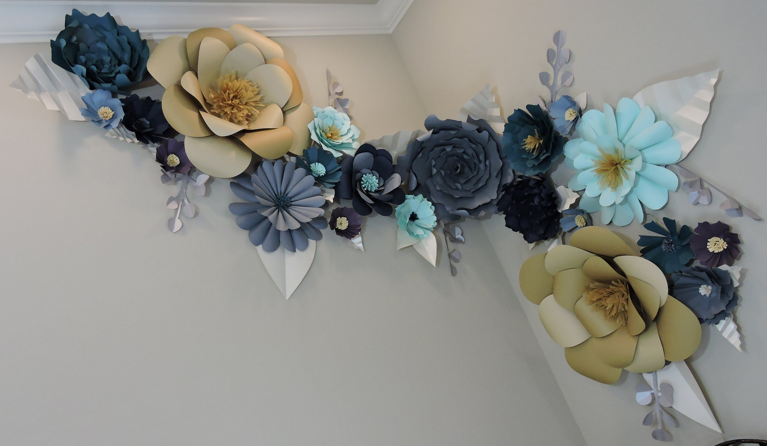 Giant Paper Flowers, by Blue Fox Crafts 2017