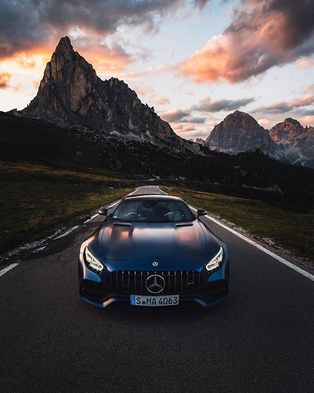 Lizzie and I were away on a road trip through Germany, Austria and Italy a few weeks ago. 🇩🇪🇦🇹🇮🇹 I just plugged in the hard drive to start editing some pictures. I thought I'd start with this cheeky photo of the @mercedesamg GT C Coupe in the Dolomites. 🚙⛰ AMA about our trip or this car!