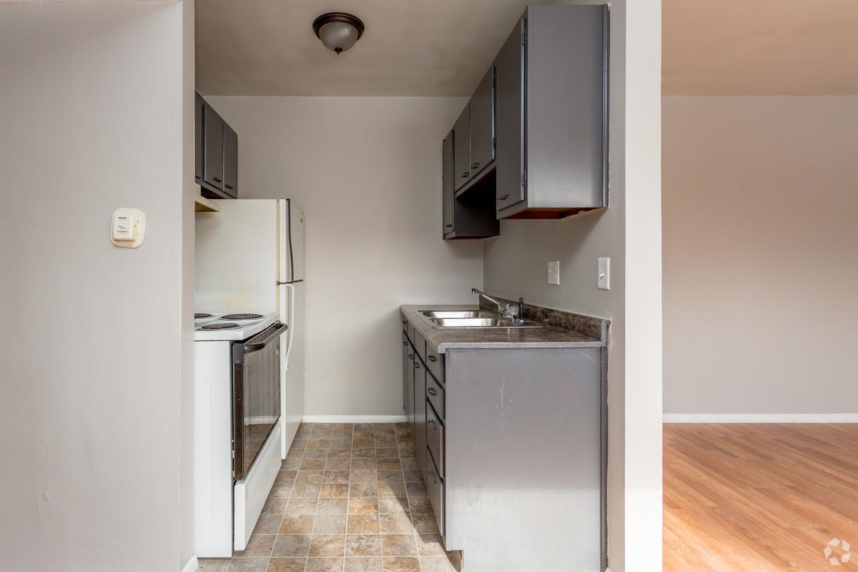 Beech Grove Place 1 bedroom kitchen.jpg