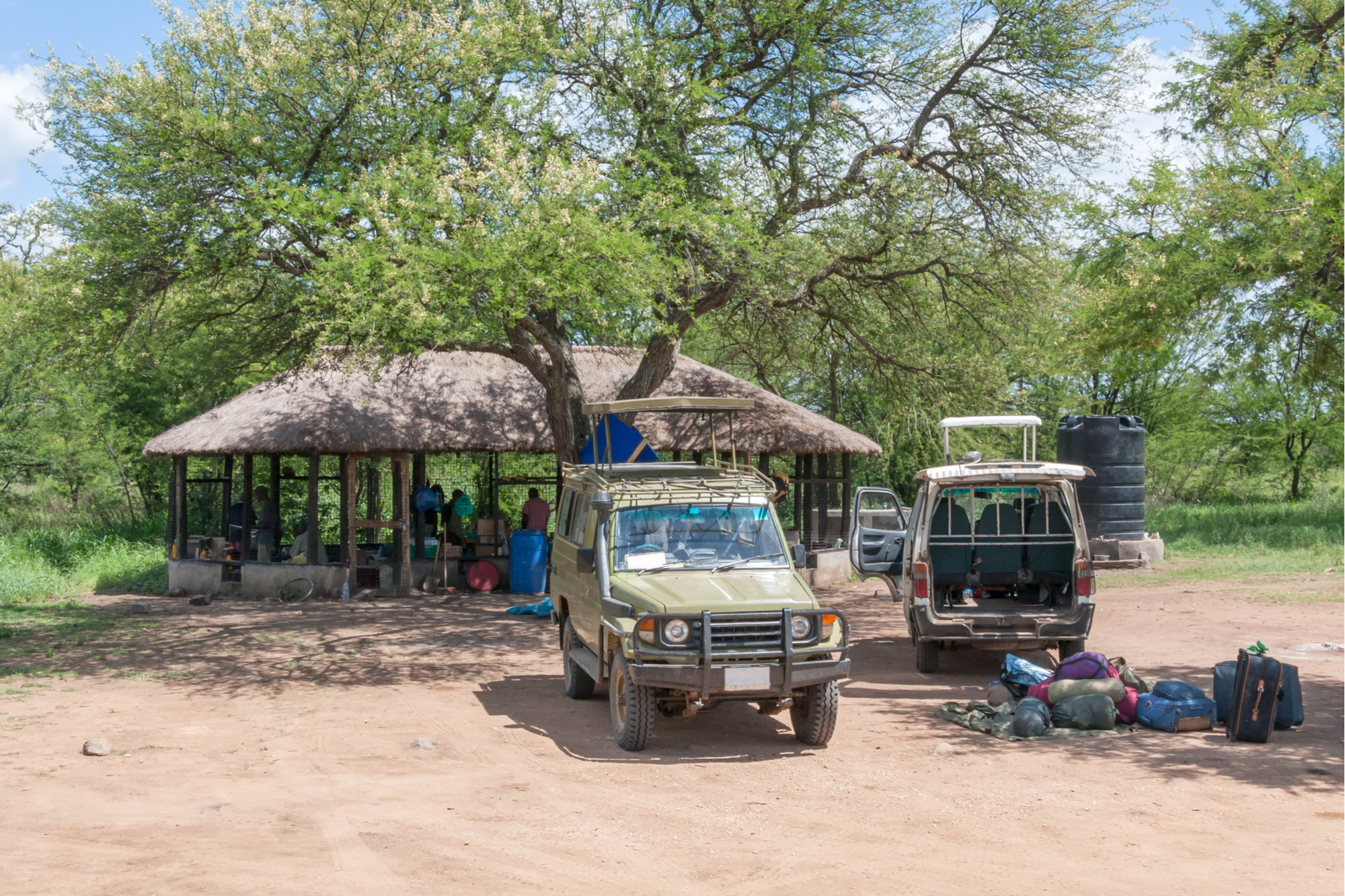 Camping-Safari-02.jpg