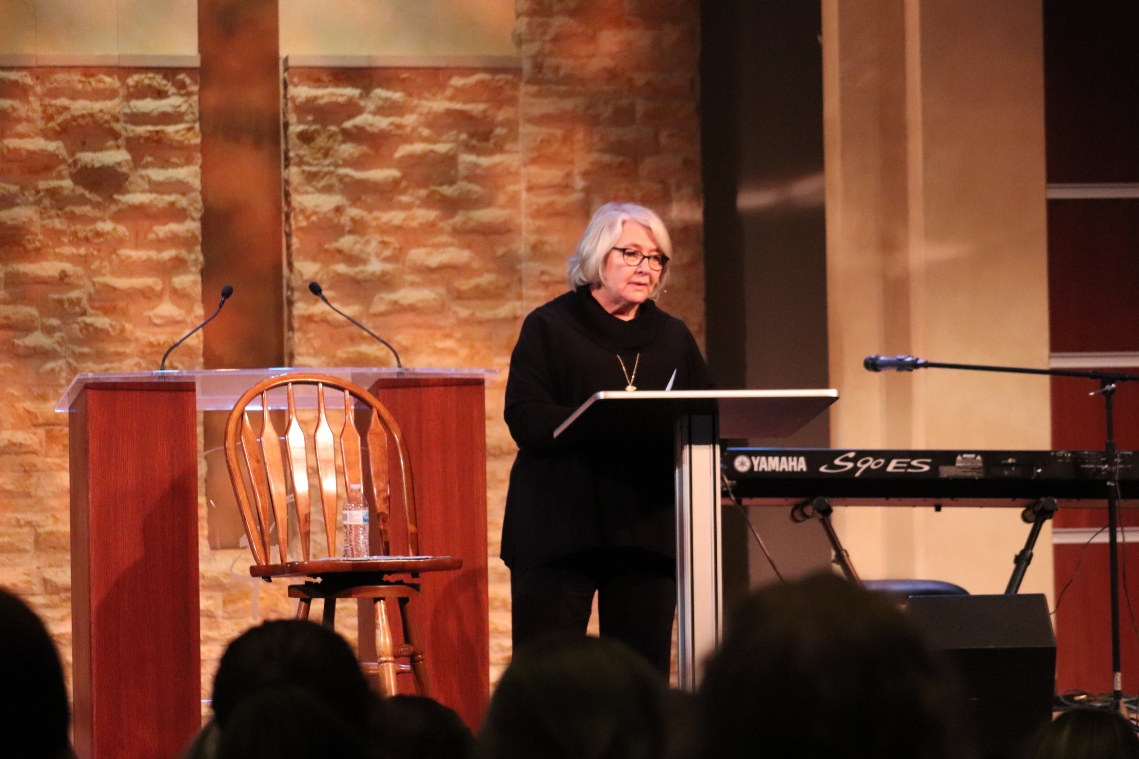 Suzanne Stabile teaching at Highland Oaks Church of Christ in the Spring of 2019