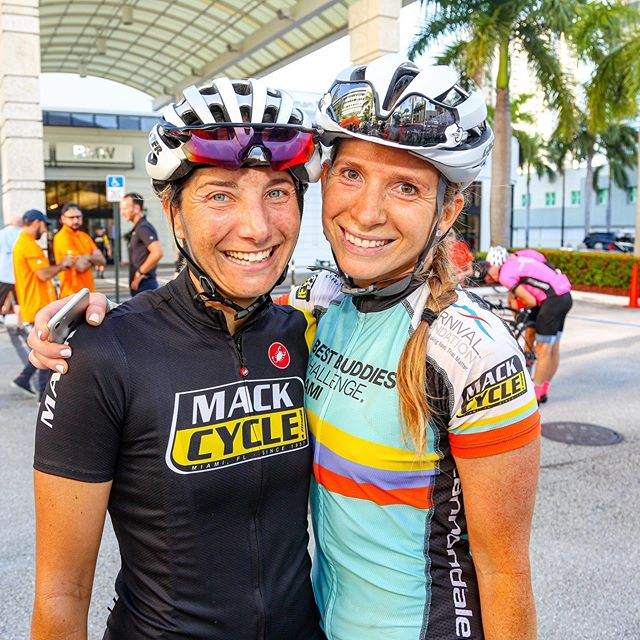 #TBT to the Miami @bestbuddieschallenge Fall Police-Escorted Training Ride.  Beautiful ride 🚲 for the buddies of @bestbuddies ! • Thank you @aboss2566 for the pat on the back 😎 • 📷 : @johnarroyo 👏🏻