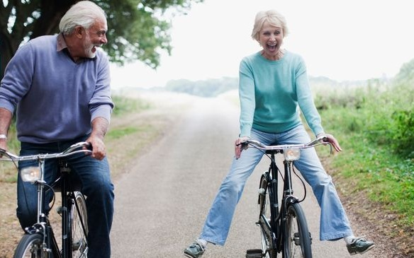 Elderly-couple-riding-bicycles.jpg