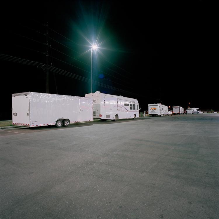L020+-+Gas+station+at+night.jpg