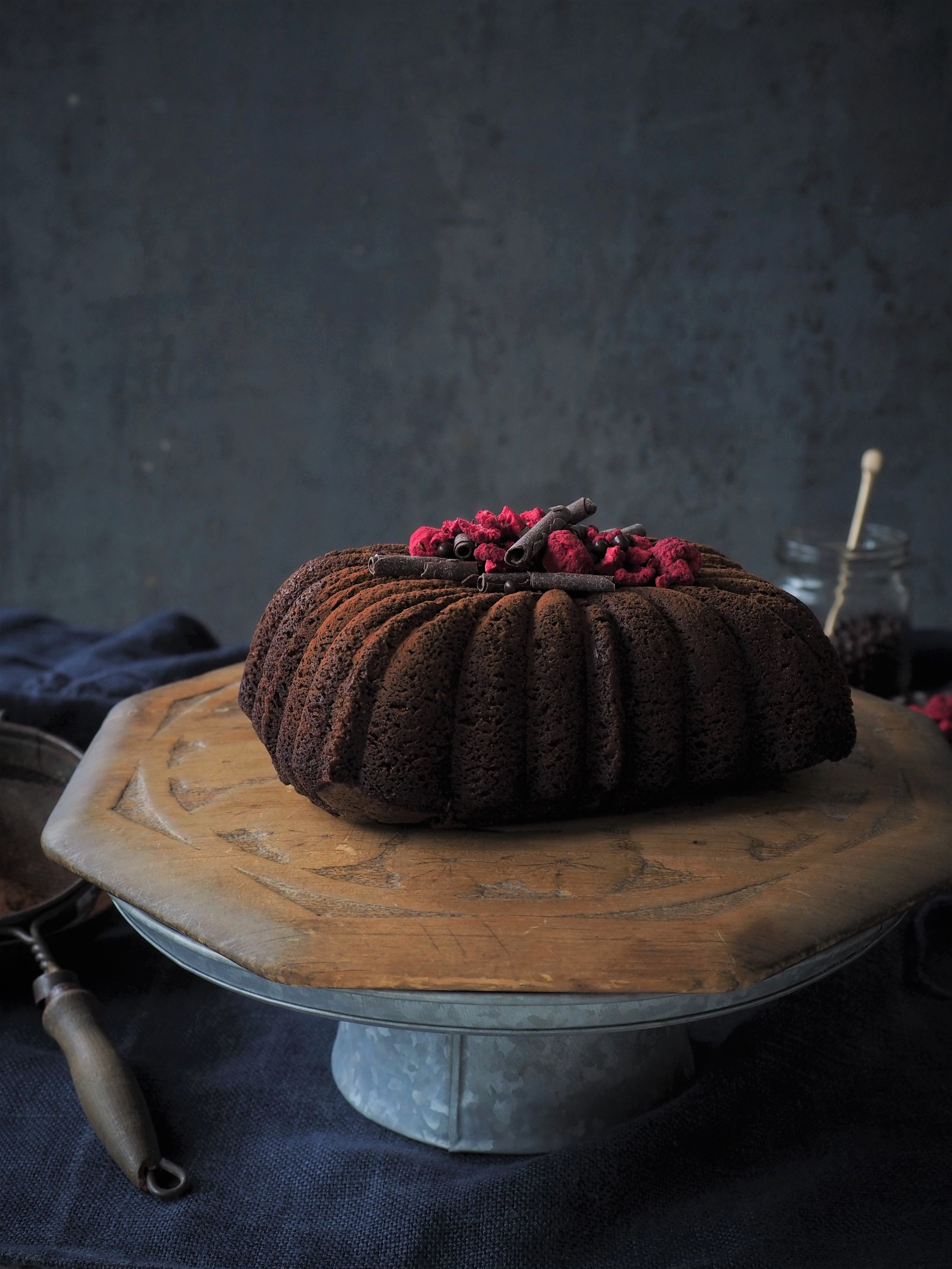 Cake credit Emma Knowles / Styling and Pic me