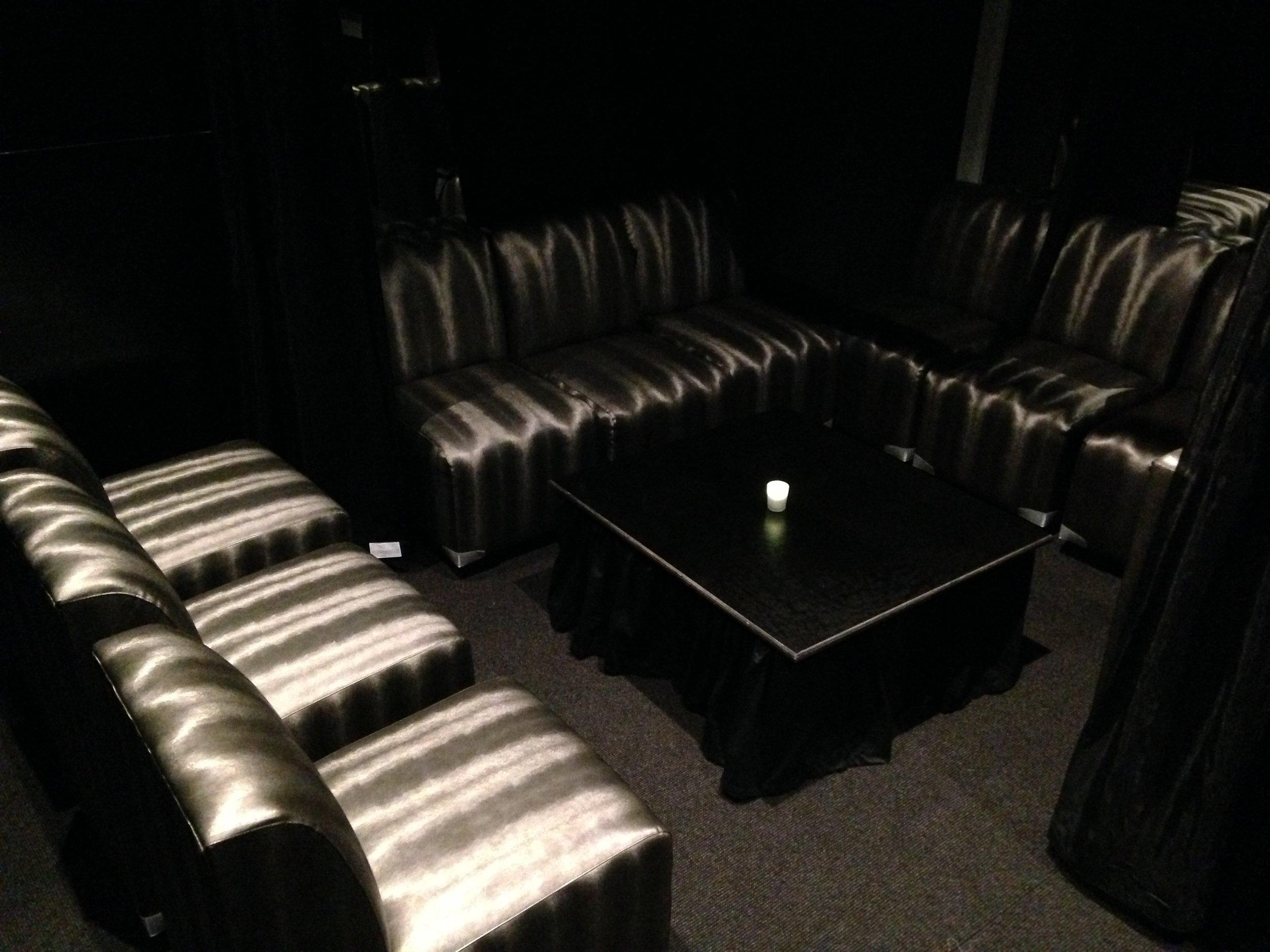 GENTLEMAN'S VIP CLUB -