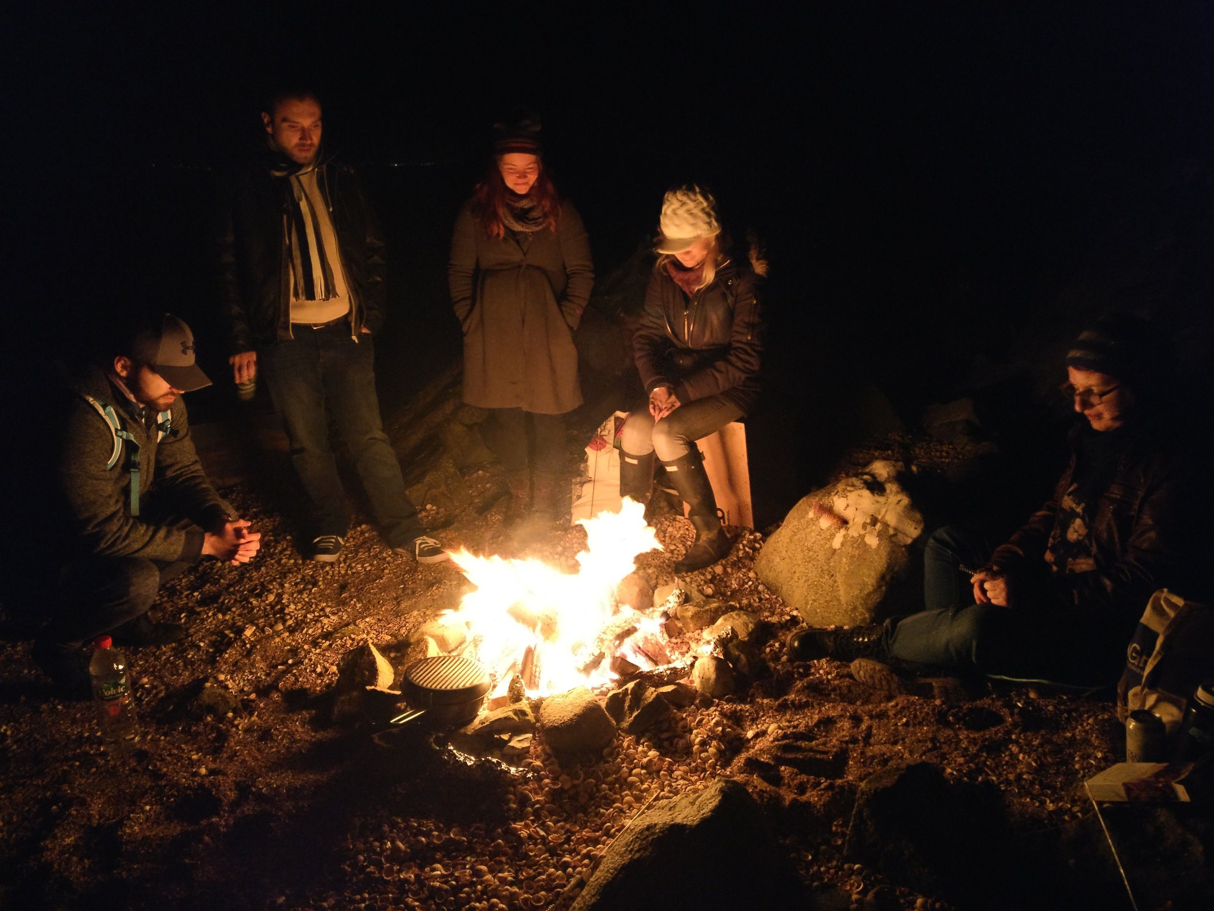 Camp fire at the beach (by E.Loose)