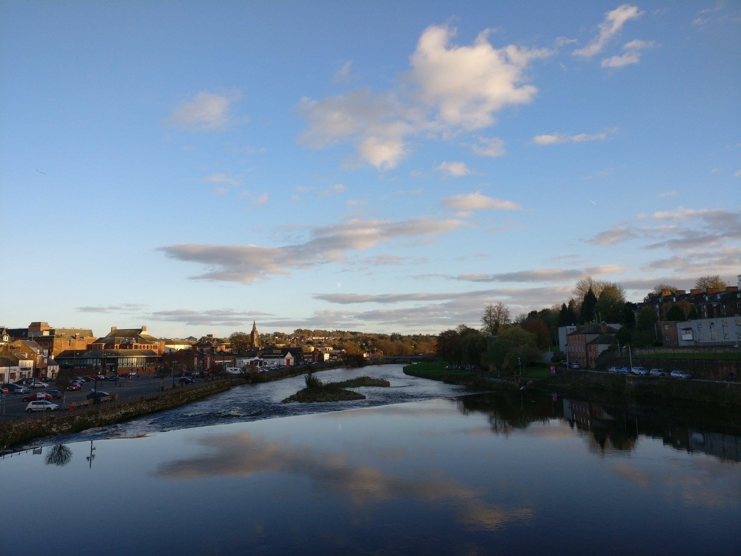 Dumfries river view (by E.Loose)