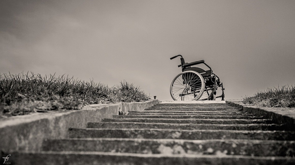 https://theestablishment.co/the-unfair-hurdles-of-applying-to-college-as-a-wheelchair-user-bac88c17e558
