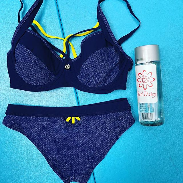 What are you packing for the weekend..Better be your Denim Daisy martini bikini🍸🔥🔥💮👙