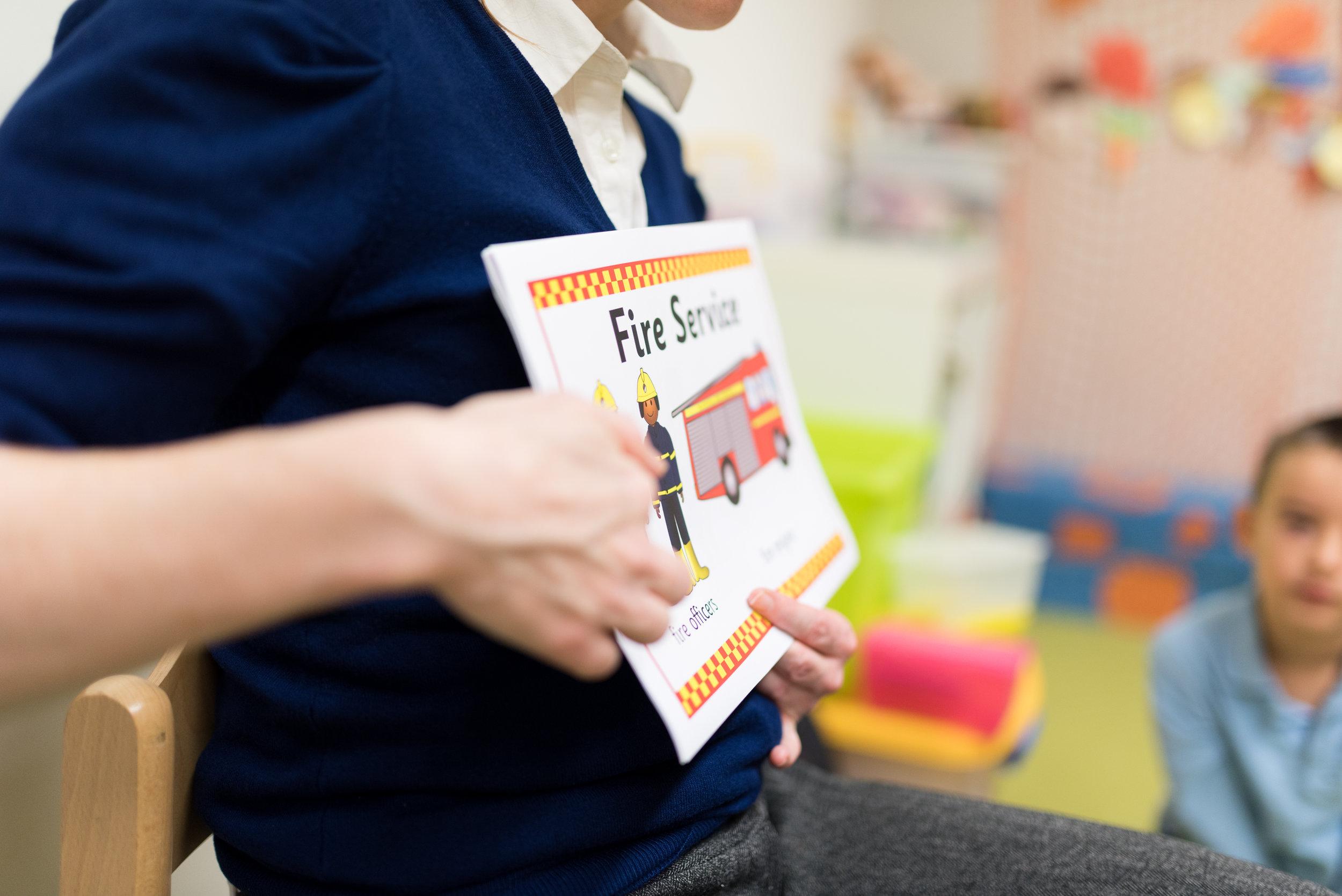 Aktivity s učiteľmi s rodným jazykom anglickým - V našej MŠ pracujú aj učitelia s rodným jazykom anglickým, ktorí spestria výučbu.