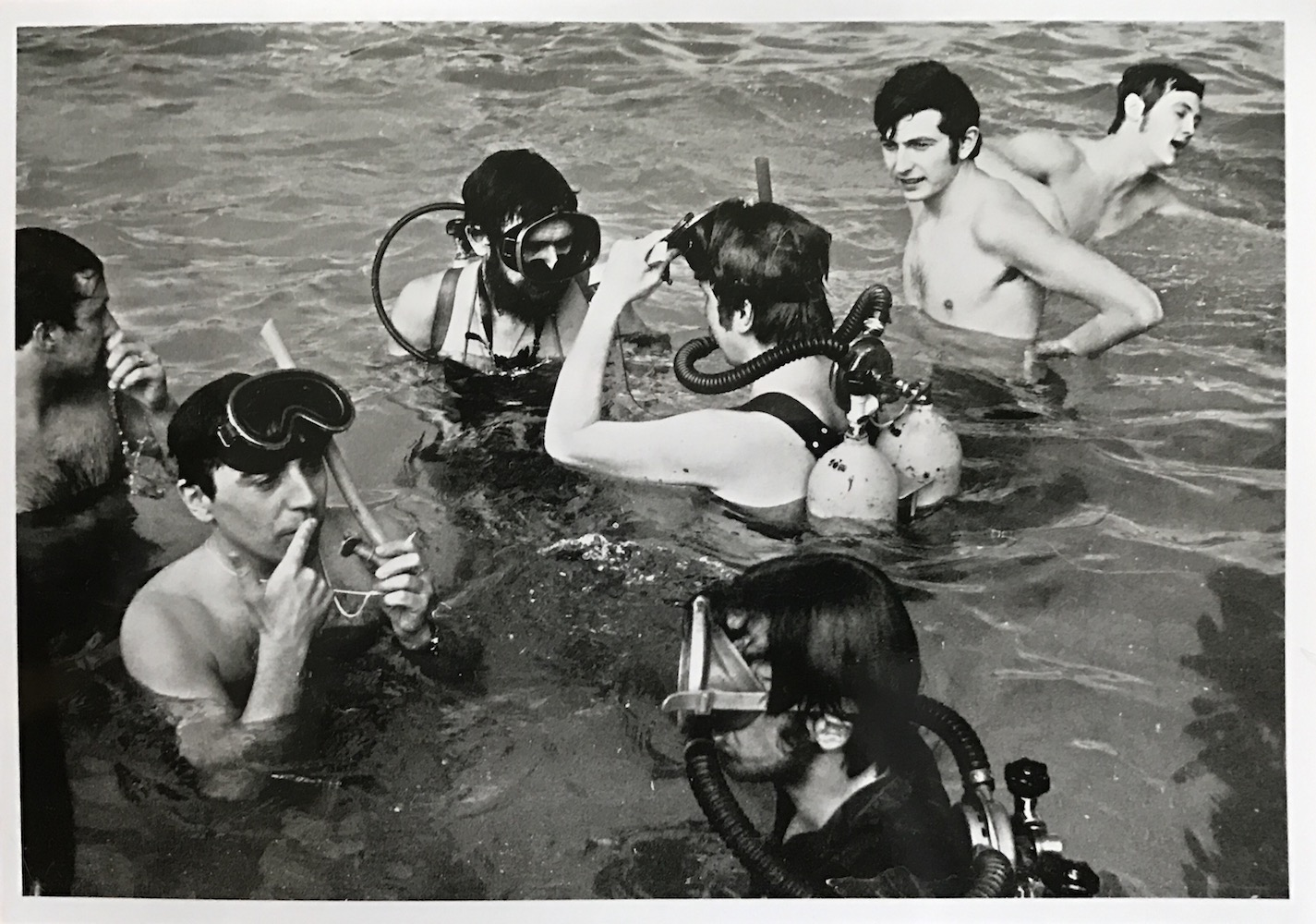 1970, Vodná hudba, foto z akcie, foto J Bartoš, 18x23,5 cm