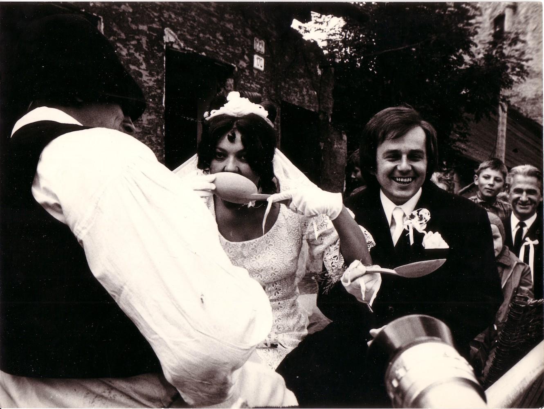 1972, Evina svadba, fotografia z akcie, foto anonym, 24x18 cm