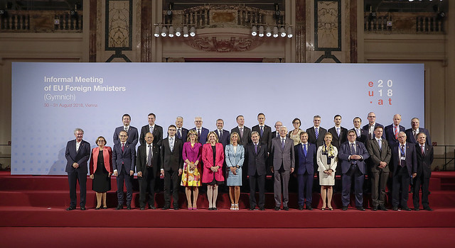 Count the women in this photo taken at an informal meeting of EU foreign affairs ministers in Vienna on 31 August 2018! Sweden's Annika Söder (State Secretary for Foreign Affairs) is in the top row; Portugal's Ana Paula Zacarias (Secretary of State for European Affairs), Bulgaria's Ekaterina Zaharieva (Deputy Prime Minister for Judicial Reform and Minister of Foreign Affairs), Austria's Karin Kneissl (Federal Minister for Europe, Integration and Foreign Affairs), the EU's Federica Mogherini (High Representative of the Union for Foreign Affairs and Security Policy, and Vice-President of the Commission) and Croatia's Marija Pejcinovic Buric (Deputy Prime Minister and Minister of Foreign and European Affairs) are all in the front row. As is the UK's Jeremy Hunt. ( BKA/Andy Wenzel )