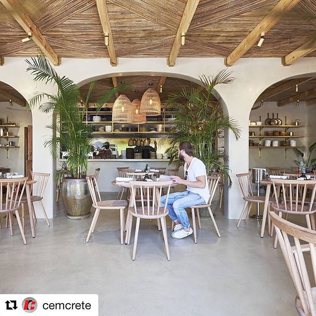 #Repost @cemcrete with @get_repost ・・・ Here is a little taster of our upcoming featured project. @kolonaki_on4th  used CreteCote Coconut to achieve this delicious look. Watch this space 👀  Cemcrete Application | @assetallies Design By | @atmos.architecture.design ° ° ° #greek #greekrestaurant #greekfood #gogreek #cretecote #cementfinishes #floors #seamlessfloors #cementfloor #cementfinishes #restaurantgoals #restaurantinterior #designinspiration #interiorinspo #localzadesign #interiordesigner #sadesign #interiorforinspo #architecture #artisan #betoncire #bespoke #welovecement #cemcrete