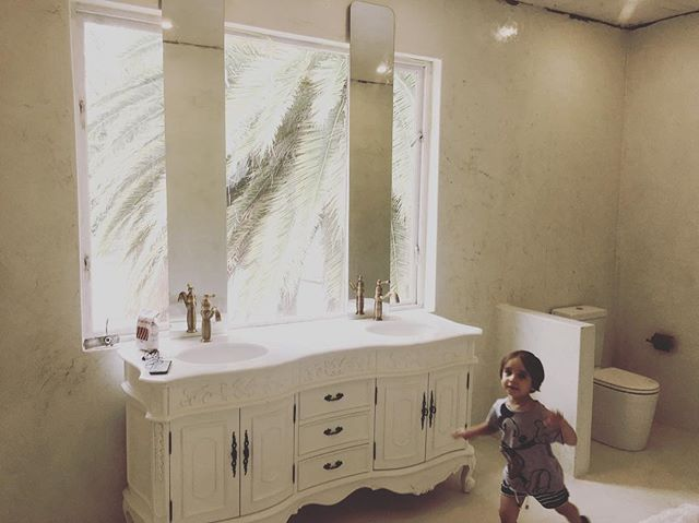 #beautiful Cemcrete white floors and walls #bathroom by @assetallies