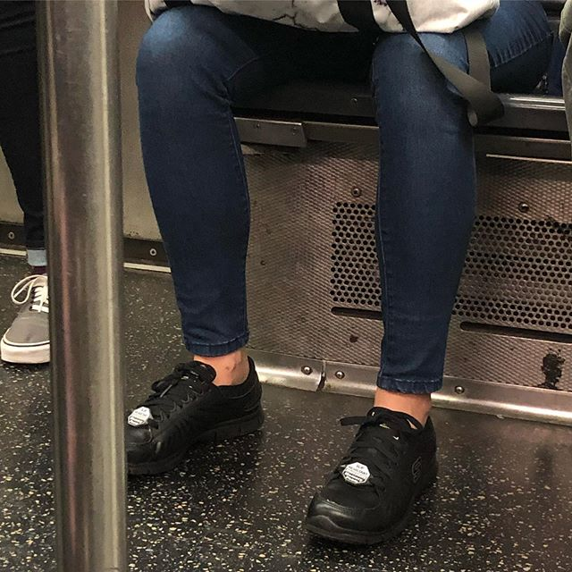 """I """"get"""" (but don't share) the """"keep the label"""" trend. But keeping a slip resistant / memory foam tag, is a little to much... #whatiseeiswhatyouget #nyc #shoes #kicks #shoegame #mta"""