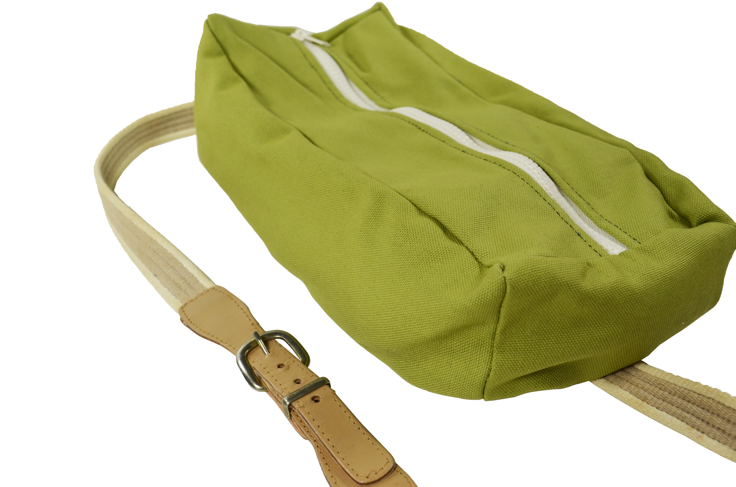 casual cruiser bag front full front zipper.png