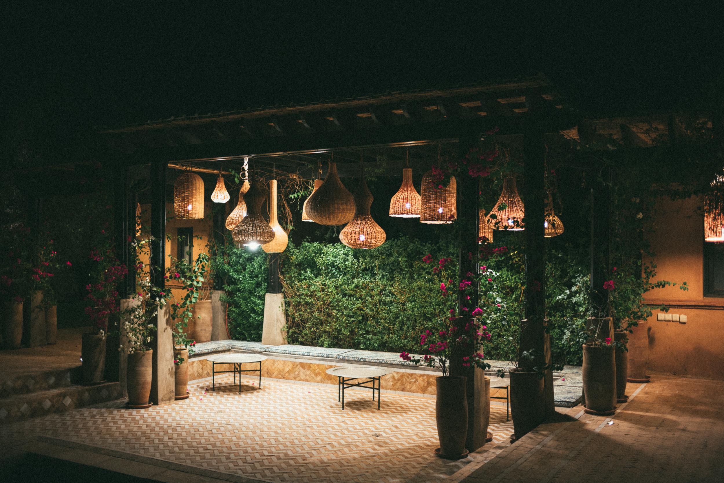 SS-Marrakech_Retreat-Pool-Lamps-1003970.jpg