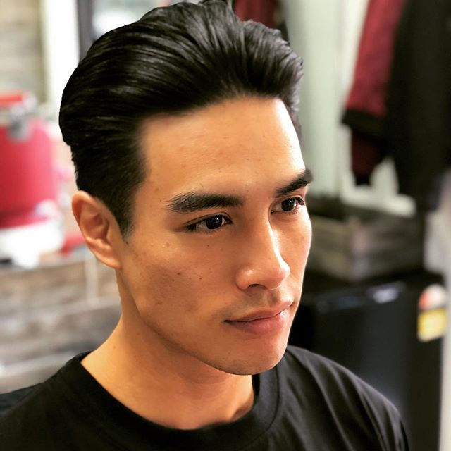 Great seeing a Vietnamese brother representing! #offchopsbarbers #modelcuts