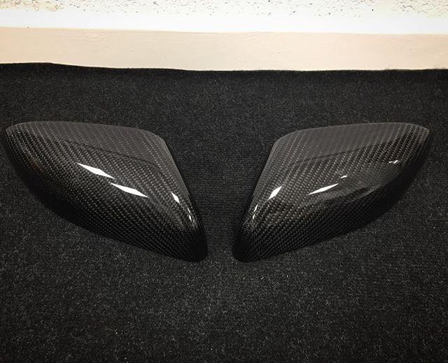 Carbon mirror covers for @jonmodball of @modballrally for his Aston Martin Vantage #carbonfiber #carbonfibre #fortiscomposites #aston #astonmartin #supercar #modball #modballrally #london #ibiza #handmade #shiny #supercar #exoticcars #v8 #v8vantage #rtech