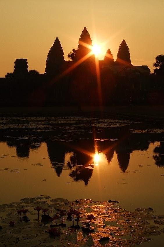 Pixabay Angkor Wat Sunset.jpg