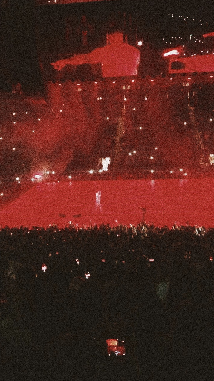 drake. - aubrey + the three amigos tour. state farm arena, atlanta ga.