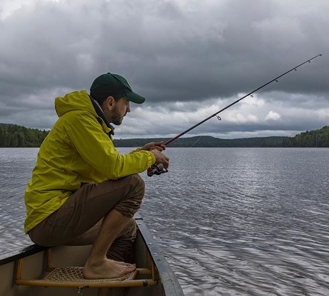 Even on a cloudy day there is a lot you can do in #algonquinpark. Here In a canoe on amazing #rocklake looking for my dinner 📸@alexchoquette_photography #ontarioparks . . . . . . . .  #fishinglife #fishing_kings #fishing #fishingtrip #campingcanada #campinglife #campingontario #pleinair #pleinairmag #mecpleinair #onserejointdehors #exploreoutdoors #quebecoisenvoyage #nomademag #aventuriersdunord #quebec_travelers #ontario #ontario_adventures #ontario_ca #algonquinprovincialpark #canoe #canoeing #canoecamping #mytrespass #roadtripultramar