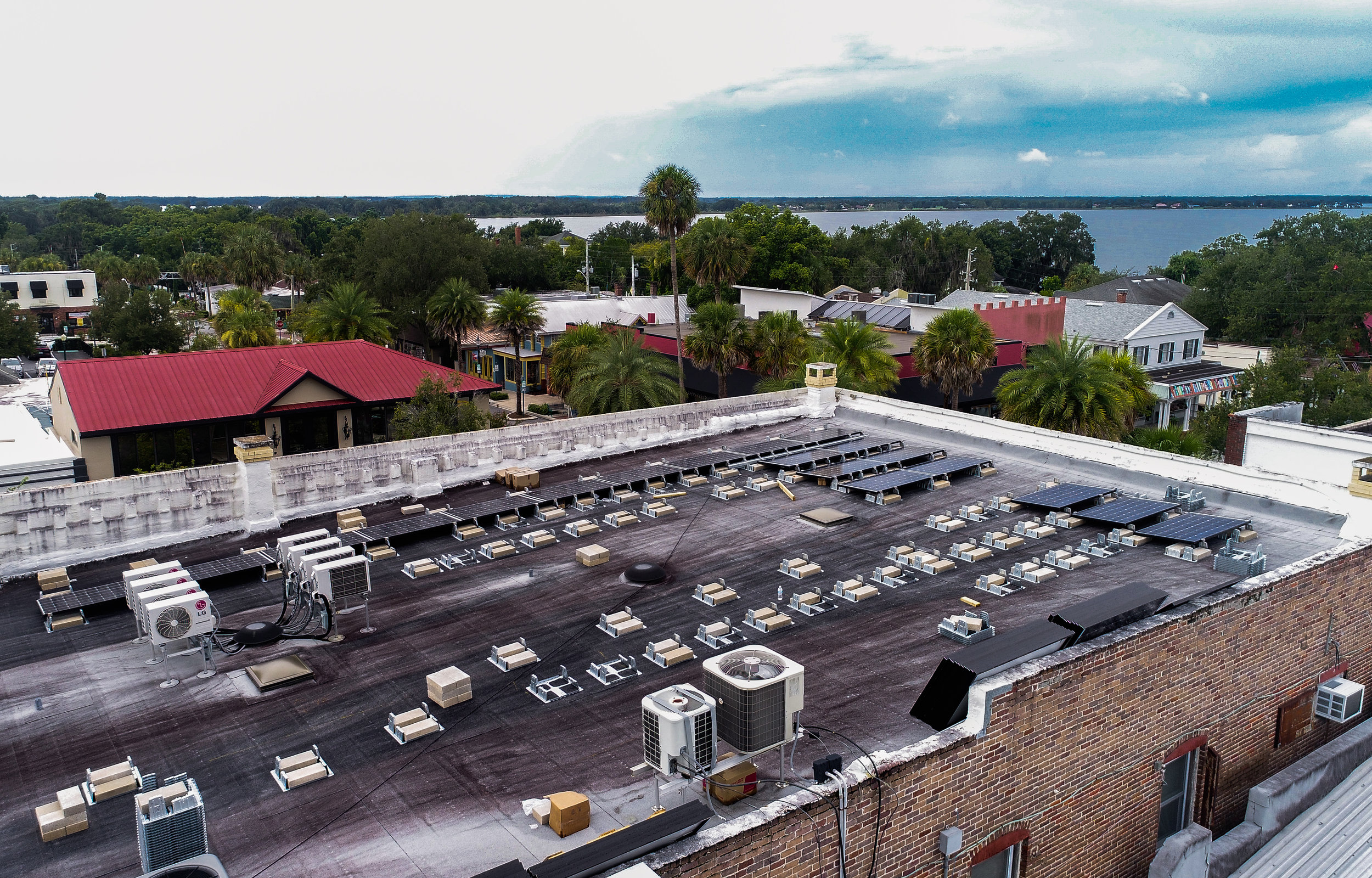commercialsolar_downtownmountdora_historicbuilding_optimussolar_florida_2.jpg