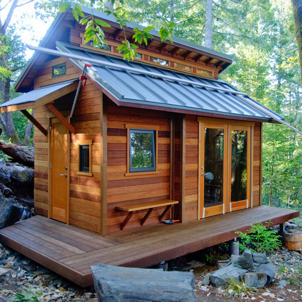 Tiny-House-In-The-Wilderness_c.jpg