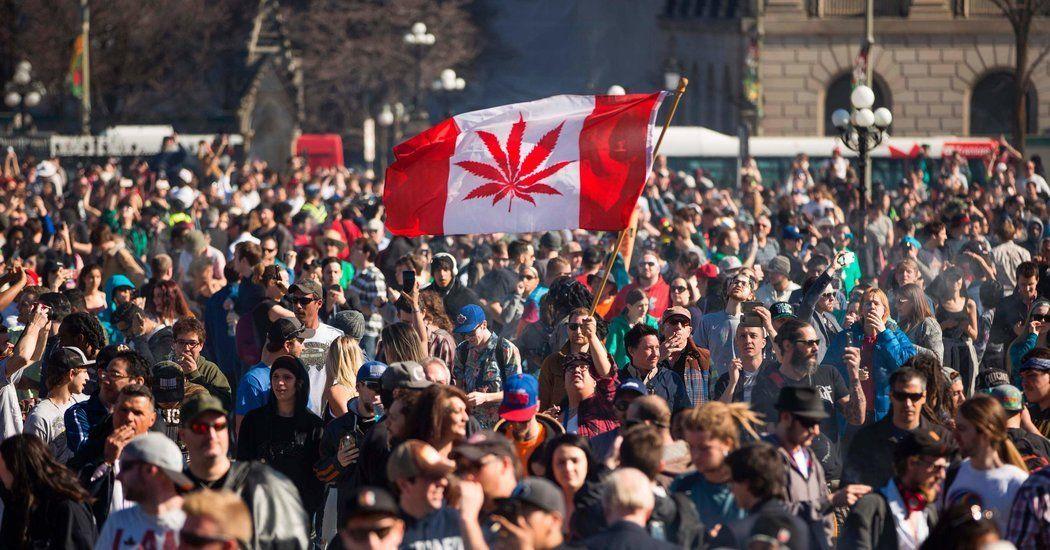 Canada_flag_crowd.jpeg