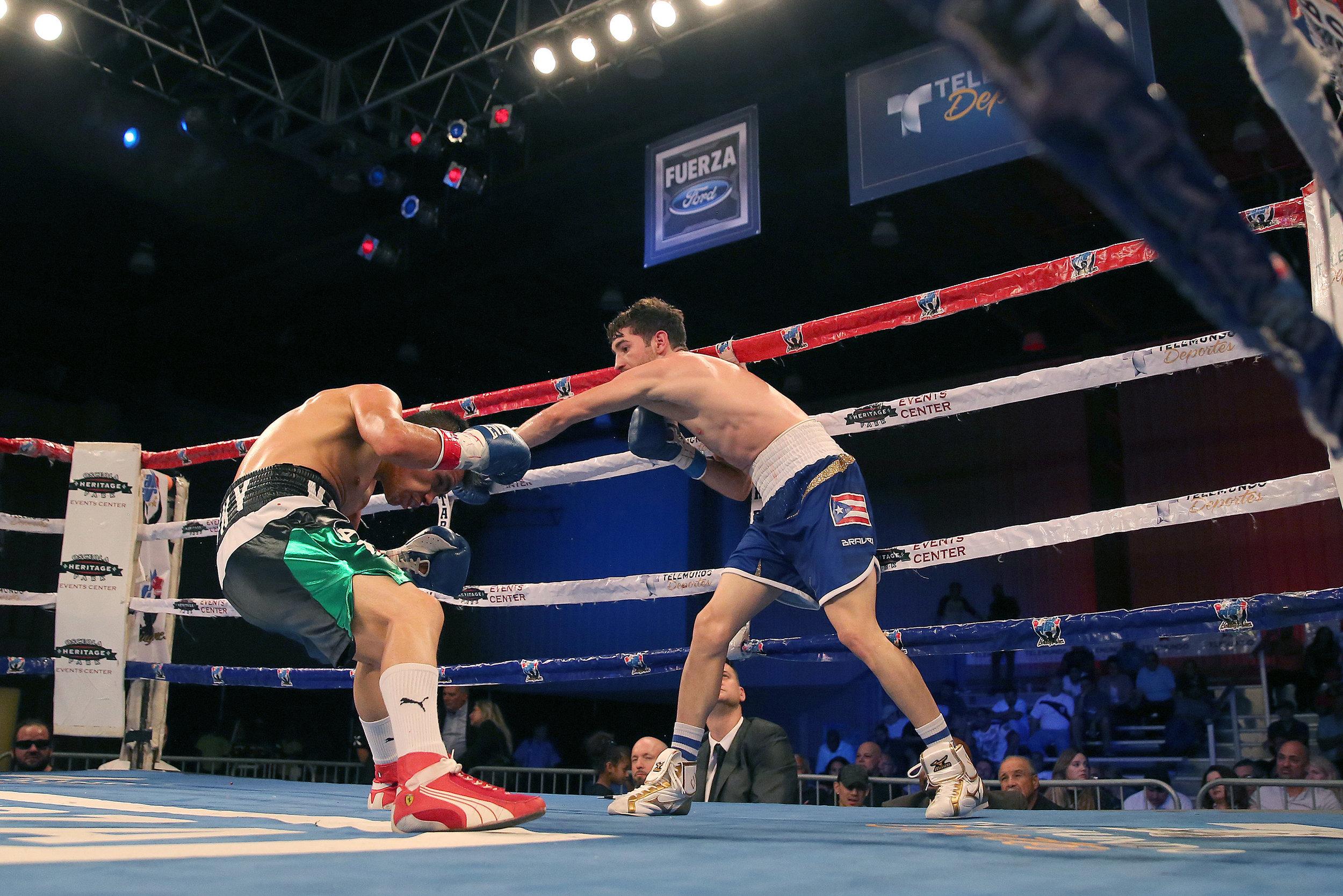 Boxing Telemundo Florida08.JPG