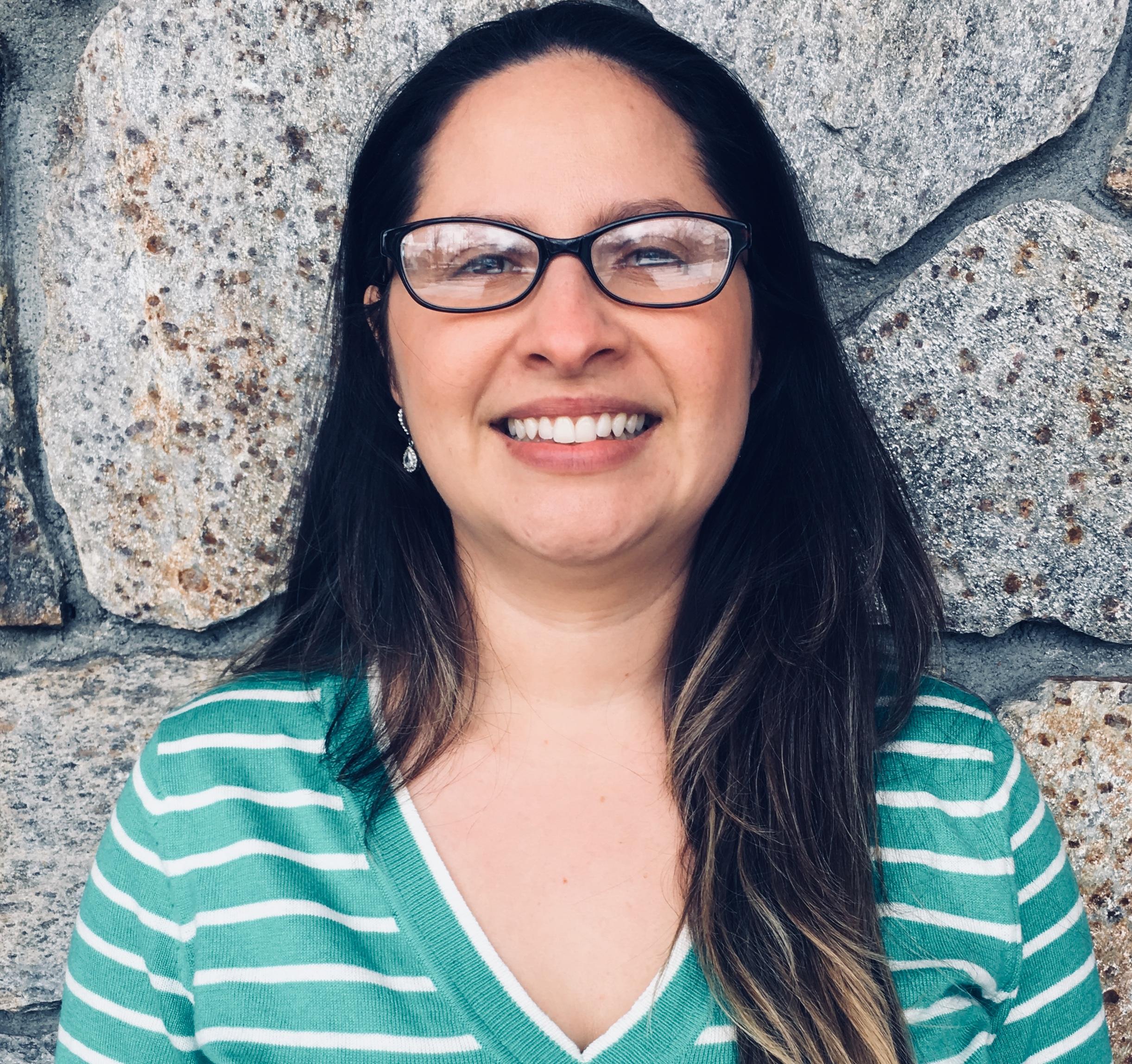 Professora de aulas de português para crianças em Framingham